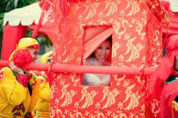 Novia china en una carreta