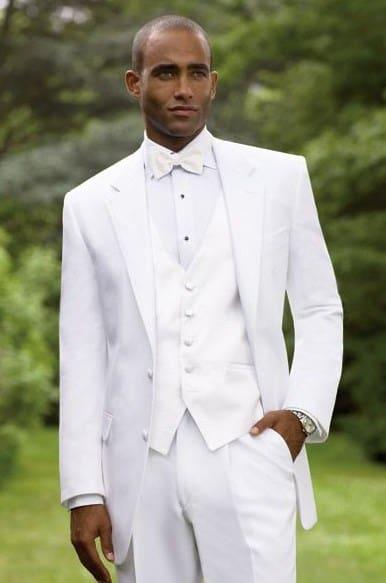 traje de novio blanco entero