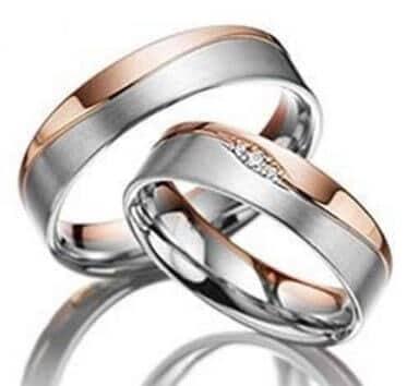 anillo de circonio y diamantes