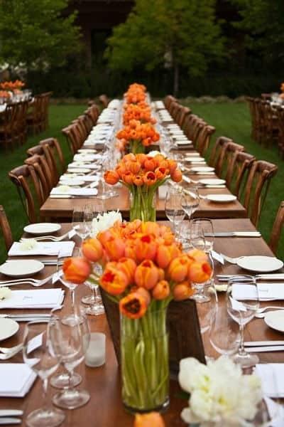 Mesa de boda con tulipán