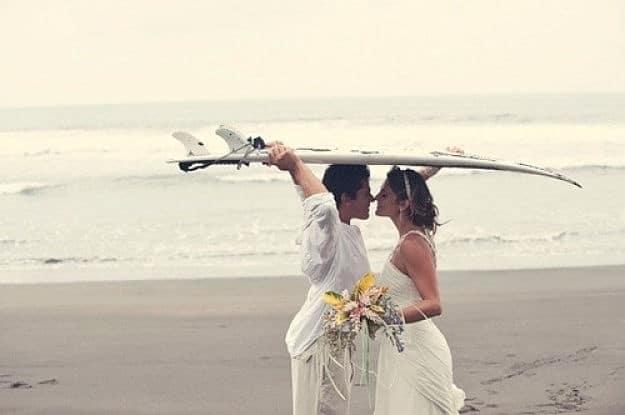 El amor en una boda surfera