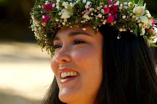 Haku lei en una boda hawaiana