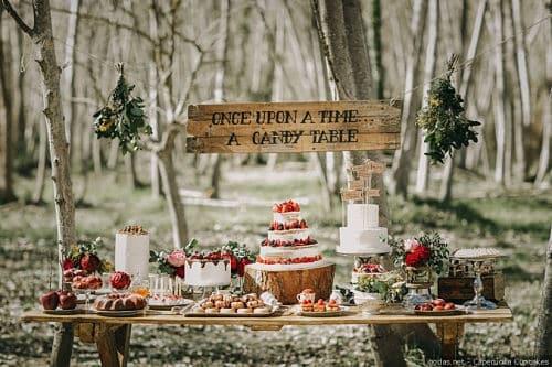 Los dulces de una boda en el bosque