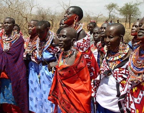 Mujeres celebrando