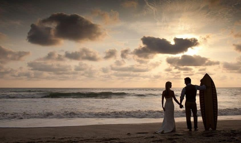 El final de una boda surfera
