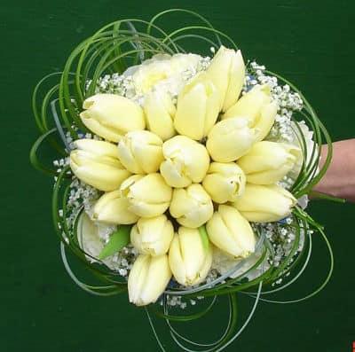 Bouquet de tulipanes amarillos