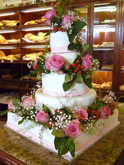 Tarta de bodas con flores