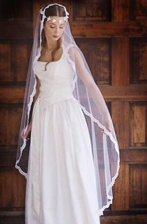 Vestido de novia celta con velo