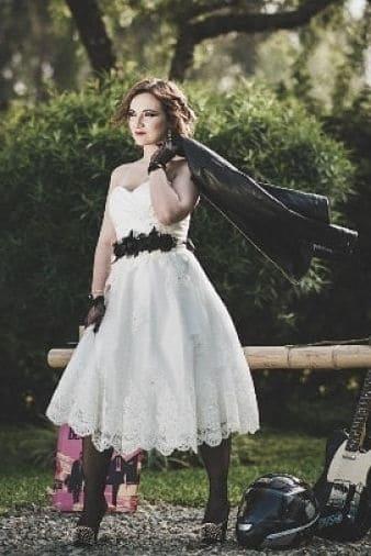 Novia rockera con vestido cool