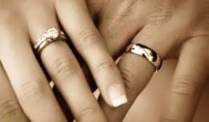 Dónde llevar el anillo de boda