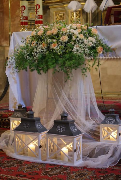 Decoración de la iglesia para boda