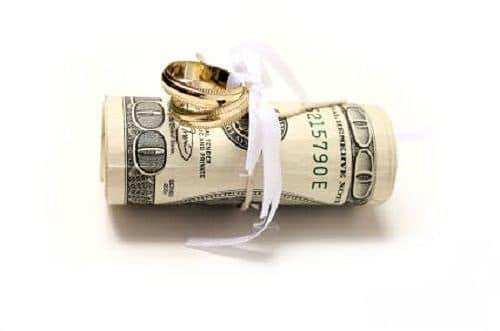 Dinero para costear una boda