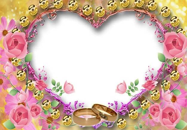 Marco corazón con bolas doradas y rosas rosas