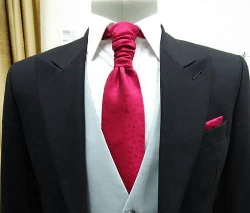 Original nudo de corbata