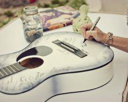 Una guitarra dedicada