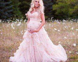 Vestido de novia embarazada en colo rosa