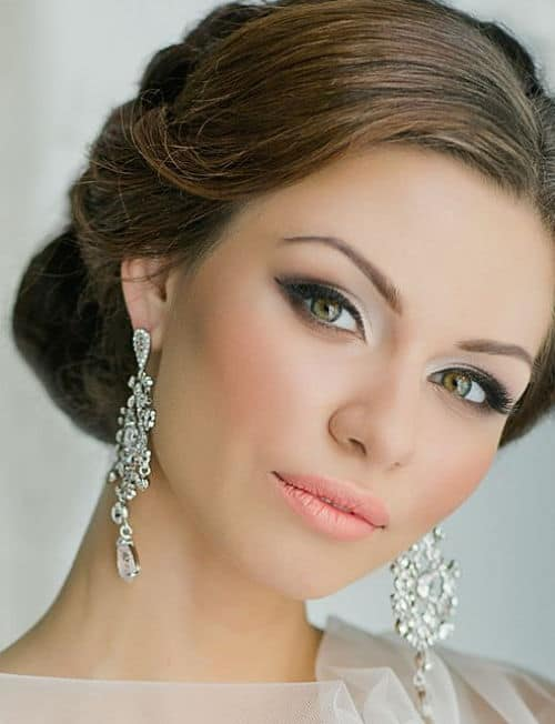 Novia con maquillaje ahumado