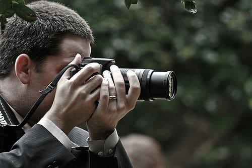 Un fotógrafo en una boda
