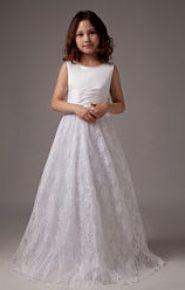 Vestido de dama de honor con falda de encaje todo blanco