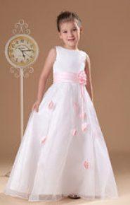 Vestido de dama de honor con falda de rosas rosas