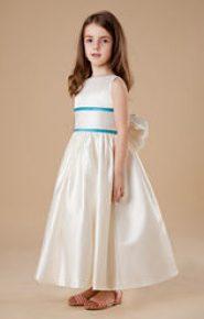 Vestido de dama de honor de satén blanco roto
