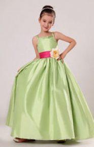 Vestido de dama de honor verde manzana