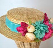 Canotier con flores turquesa