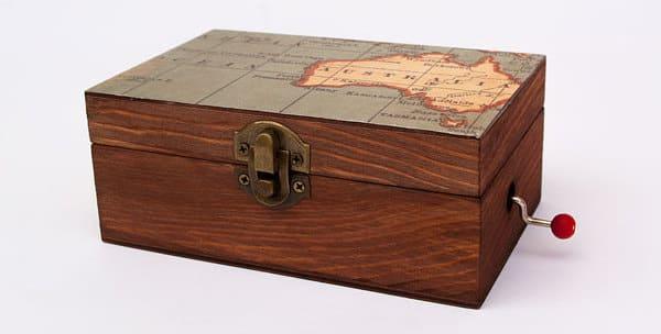 caja de musica de madera