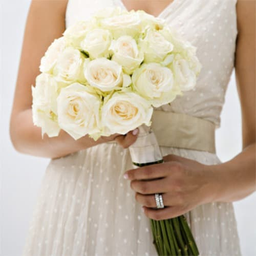 Ramo de flores para las bodas de marfil