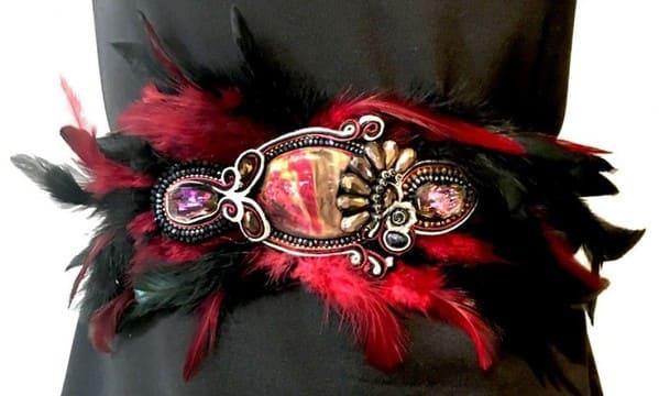 cinturones de plumas