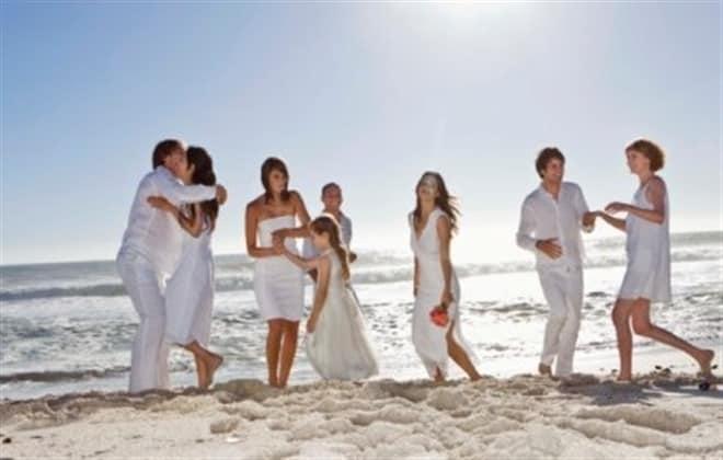 como vestir para una boda en la playa