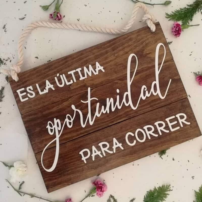 cartel de boda sal corriendo
